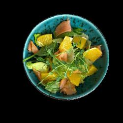 Салат з копченим лососем та апельсином