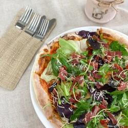 """Піца """" з прошутто та в'яленими томатами"""""""