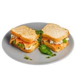 Клаб-сендвіч з лососем